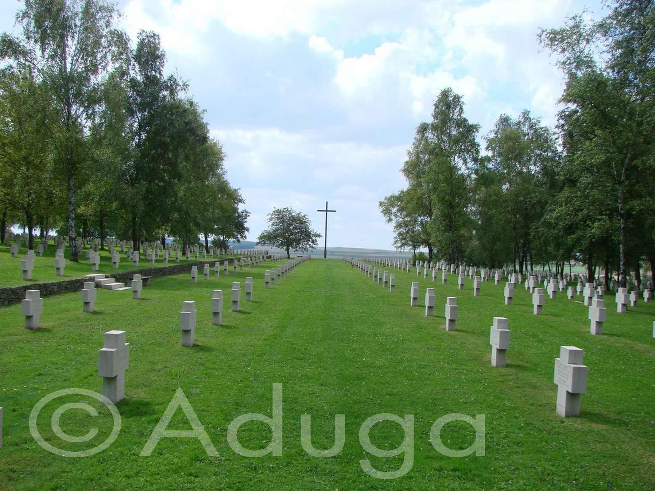 Photo de la semaine. Cimetière militaire allemand de Bourdon, CC Nièvre et Somme.